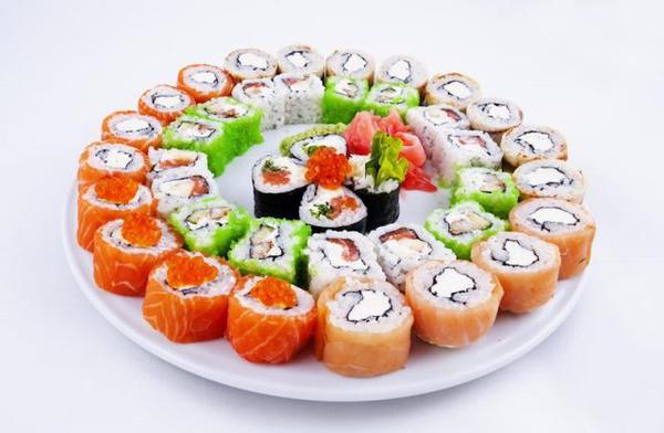 Суши и роллы - это лицо японской кухни